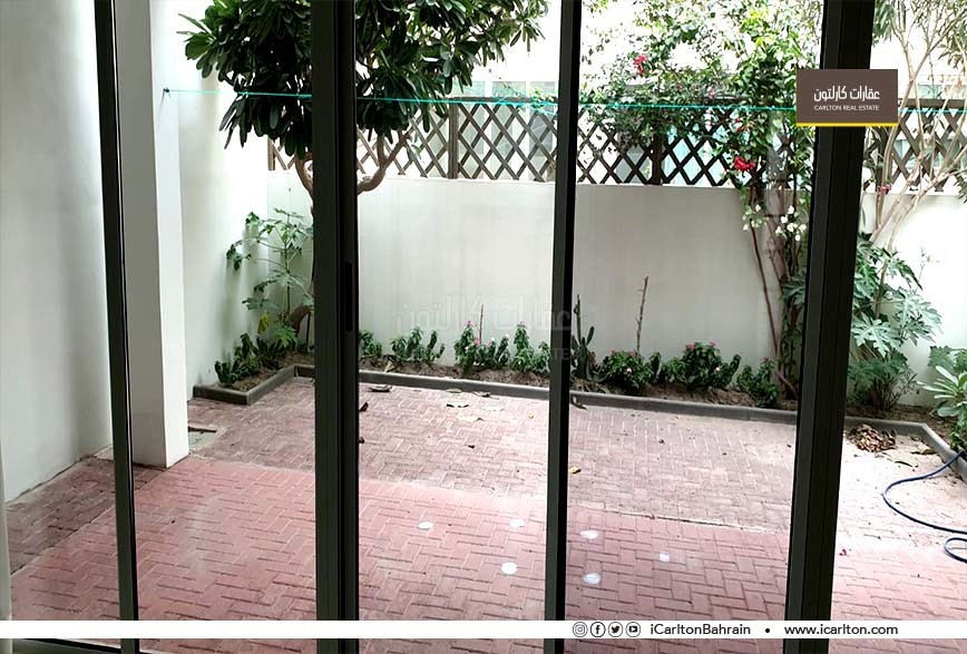 Huge private Semi Furnished Townhouse-Garden