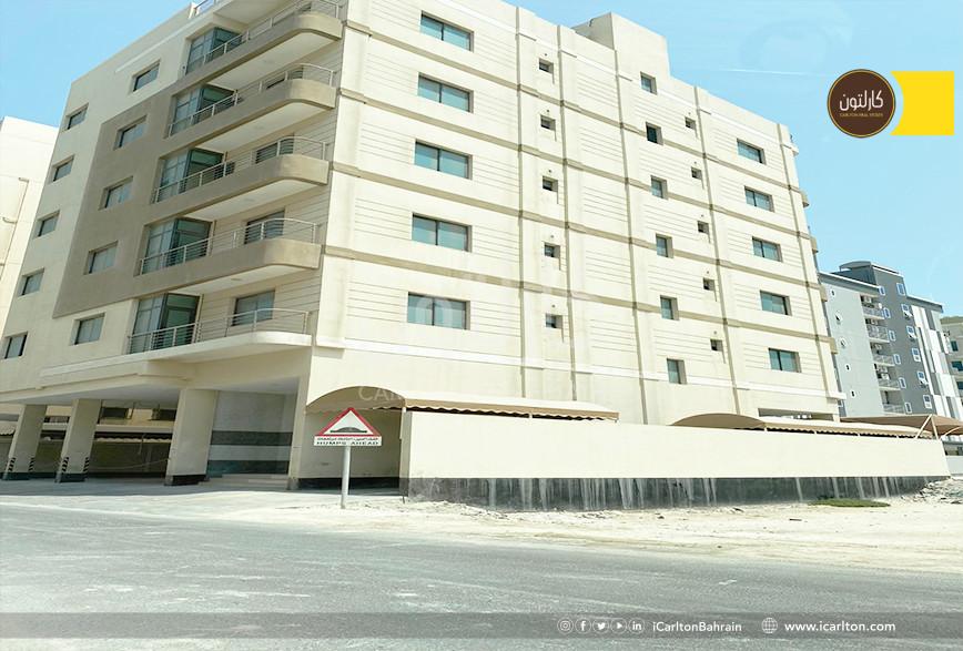 WHOLE building for sale ,  10 flats * **