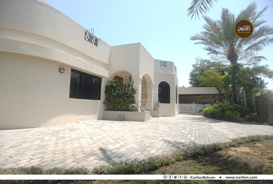 BEAUTIFUL HOUSE IN JASRA WITH LARGE GARDEN