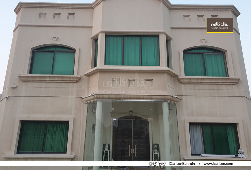 Villa With swimming pool and Garden in Aali area