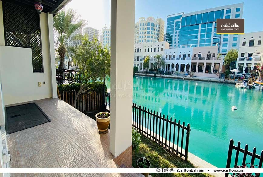 Vibrant-Waterfront patio- Prime Location