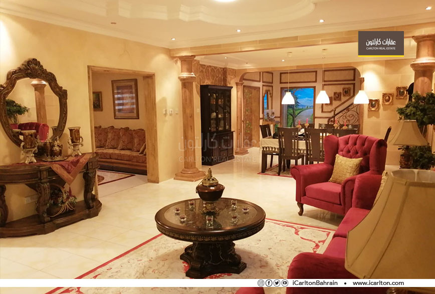 Villa in Hamad Town with large garden on 2streets
