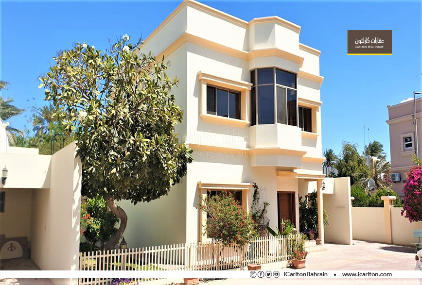One storey villa in private garden compound