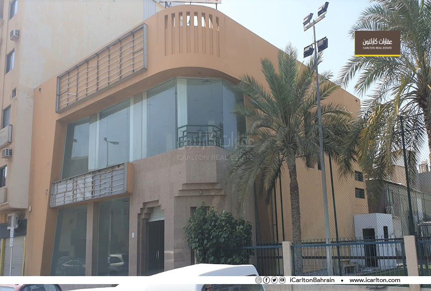Full building commercial showroom *Prime Location*