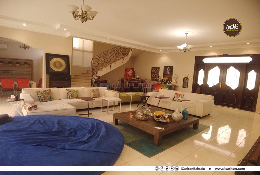FURNISHED PRIVATE VILLA WITH SHADED POOL