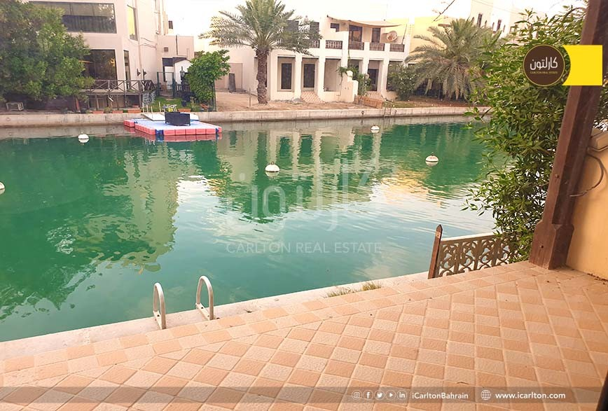Direct lagoon access home with modern furnishing