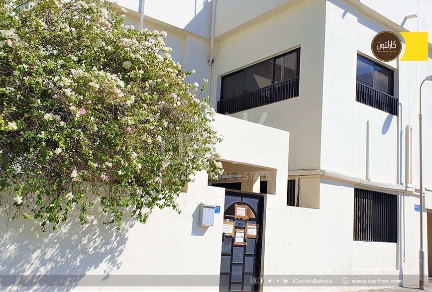 2 Storey /Great location/ Commercial villa!