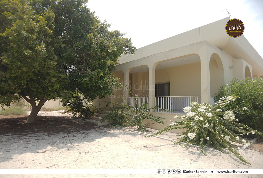 CHARMING 4 BEDS VILLA WITH LARGE GARDEN!