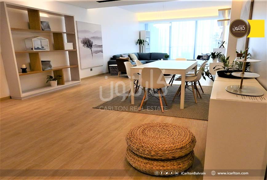 Luxury APT/ Lagoon view/Balcony/ navy approved