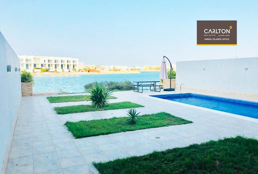 Lavish Beach access and with private pool home