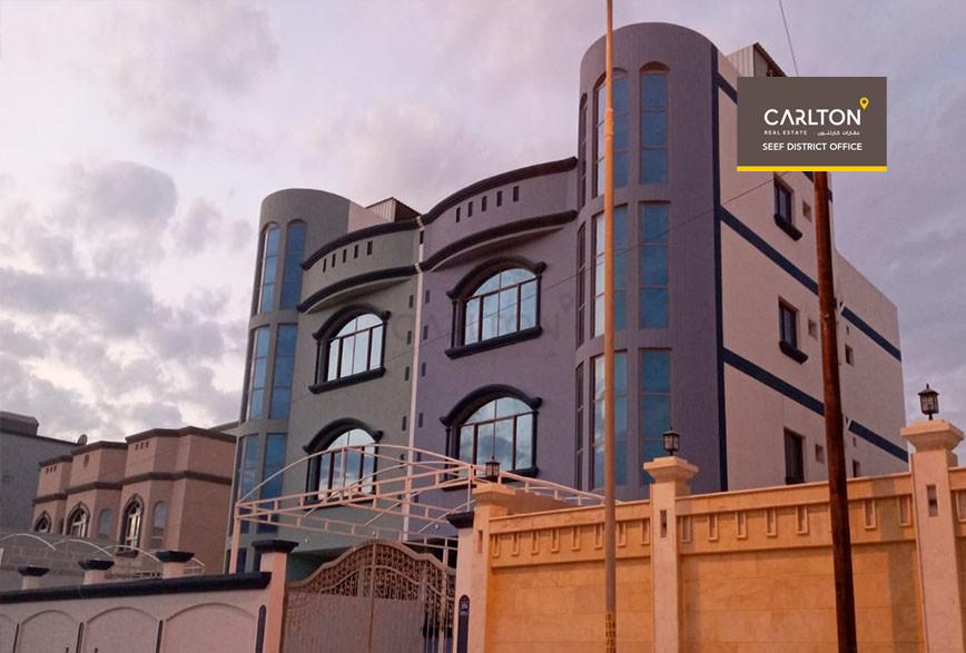 Villa with 7 spacious bedrooms in Sadad area