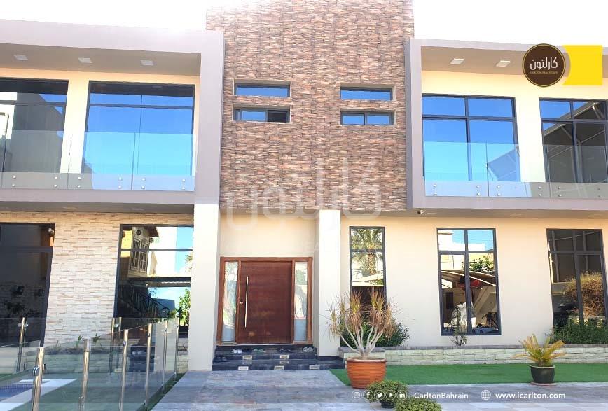Huge 2 storey Villa -Private Pool &  Balcony