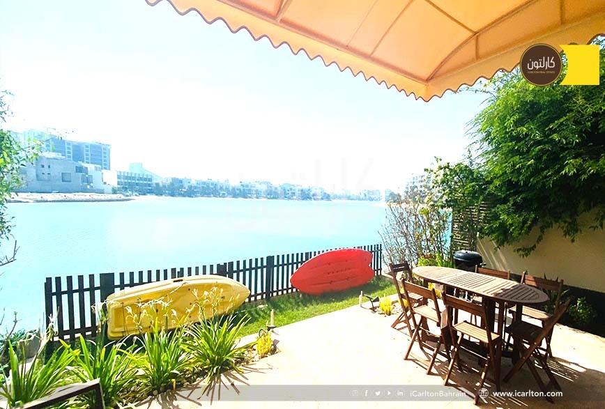 Waterfront Villa- Beach Access-in a compoiund
