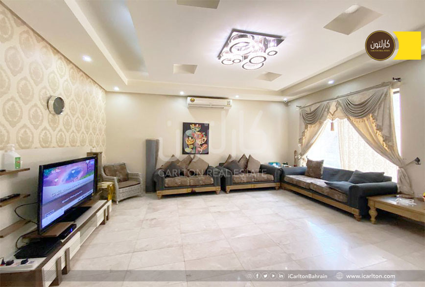 Feel the warmth of this family villa ***