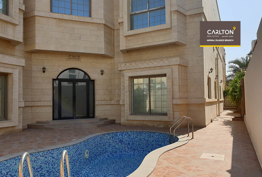 Private pool, luxurious and spacious family villa
