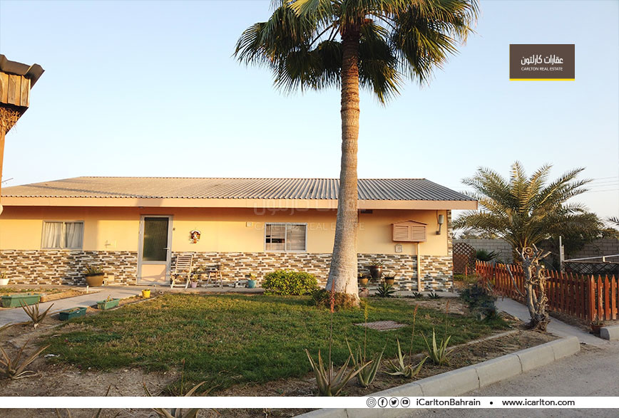 SINGLE STORY VILLA WITH ACCESS TO THE BEACH